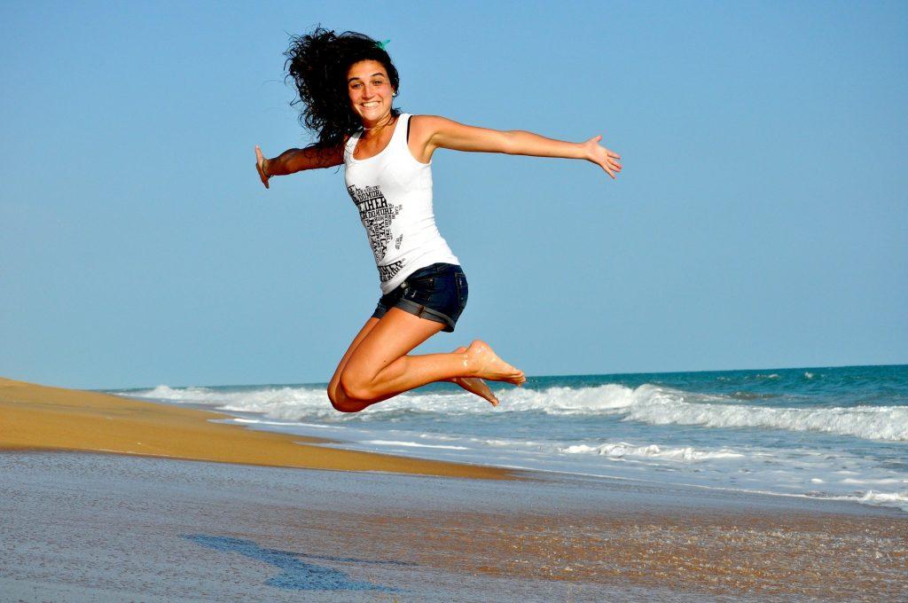 Donna che salta - Superare le convinzioni limitanti