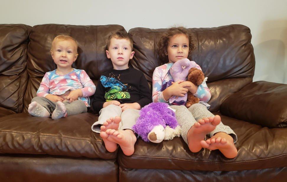 Ridurre le ore di TV ai bambini