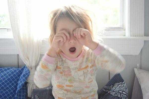 Sveglio fino a tardi - gestire un bambino stanco