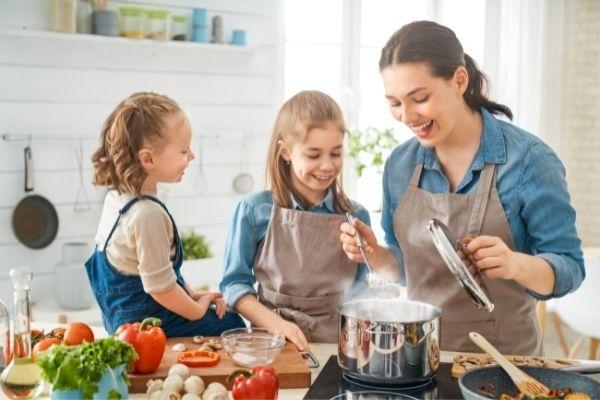 Educare come cucinare - miti sulla maternità