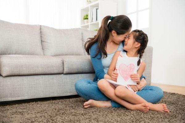 Come aiutare bambini disobbedienti - affetto ed empatia